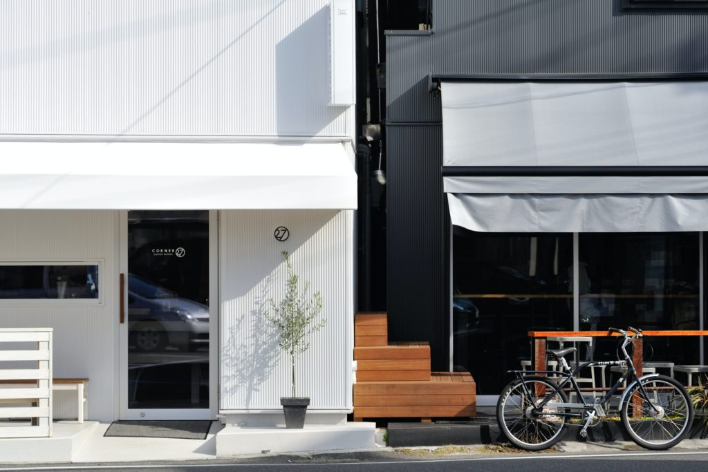 https://www.sayuri-sense.jp/wp-content/uploads/2020/07/27-COFFEE-ROASTERS-1024x683.jpg